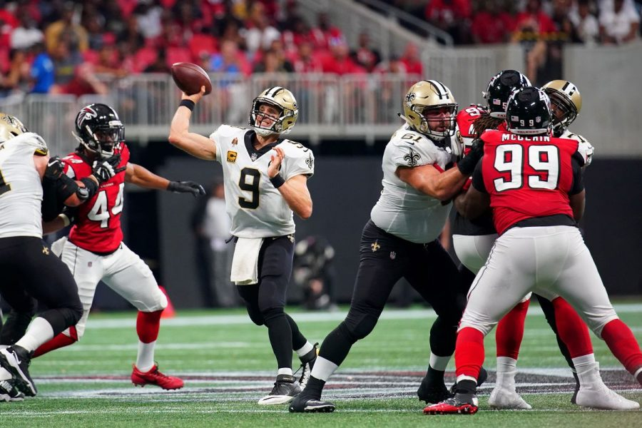 Drew+Brees+%289%29+throws+a+pass+in+the+last+meeting+between+the+Falcons+and+Saints.