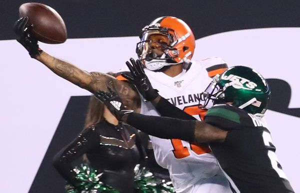 Another amazing one-handed catch from receiver Odell Beckham Jr.. Beckham exploded against the Jets for 161 yards and a touchdown.