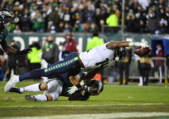 Seahawks WR D.K. Metcalf makes a diving touchdown catch. The Seahawks would go on to win this game and move on to the Divisional round.
