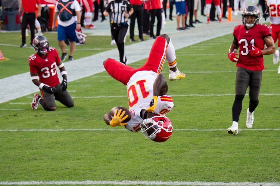 Chiefs WR Tyreek Hill backflips into the endzone for his second touchdown of the first quarter.